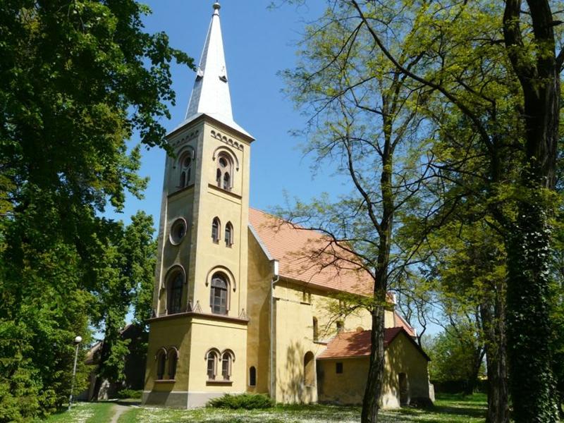 Wądroże Wielkie - kościół